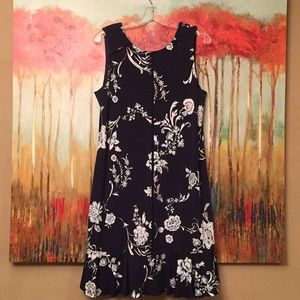 Casual elegant WHBM dress